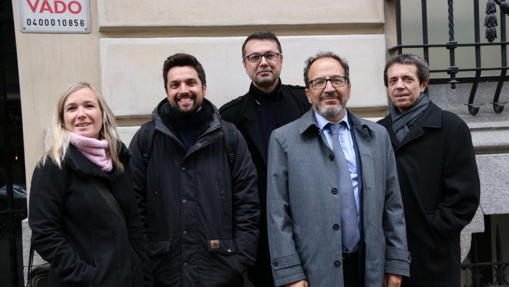 Els observadors d'ITW i el portaveu de la plataforma, a Madrid el 6 de març del 2019
