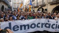 Marta Madrenas encapçalant una manifestació