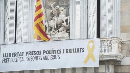 La JEC dona 24 hores a Torra per retirar tots els cartells, com el del Palau de la Generalitat