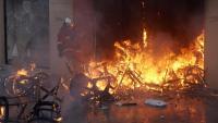 Un dels establiments que va ser cremat el cap de setmana durant les protestes dels 'armilles grogues'