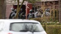 Un grup de policies que han participat en la recerca del sospitós aquesta tarda a Utrecht
