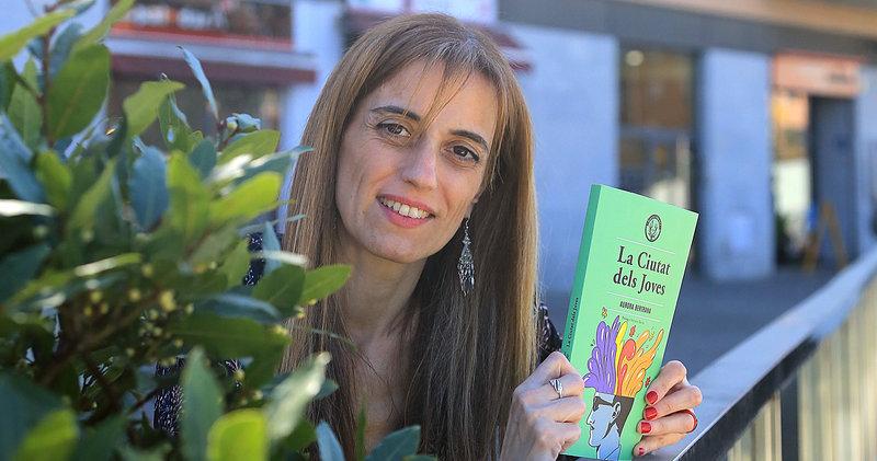 Imatge d'Adriana Bàrcia, especialista en l'obra d'Aurora Bertrana, que ha tingut cura de l'edició íntegra de la novel·la.