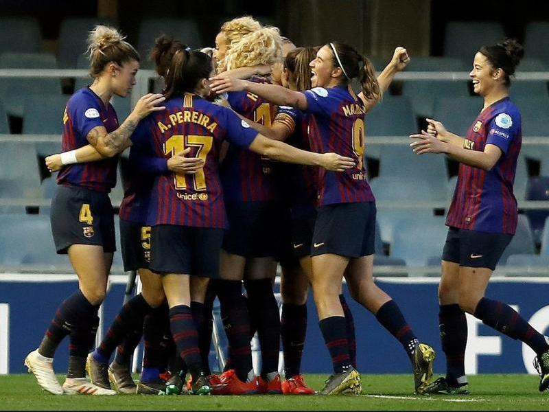 Les jugadores del Barça celebren un dels gols de Toni Duggan