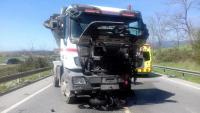 Camió que ha xocat amb un motorista a la C-35 de Llinars