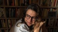 Ada Castells, a la seva biblioteca del passeig de Sant Joan