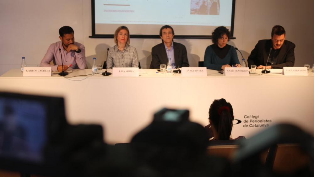 Diversos membres d'ITW en una roda de premsa a Barcelona