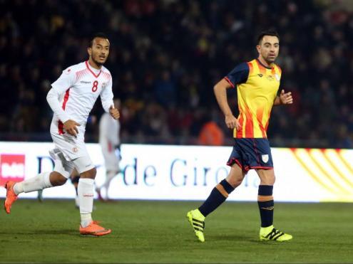 Xavi en el partit de la selecció catalana que es va disputar a Montilivi contra Tunísia