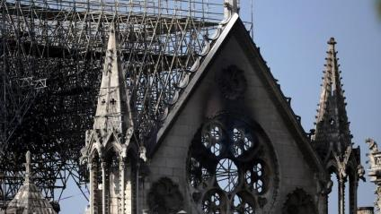 Imatge de la façana de la catedral de Notre-Dame després de l'incendi