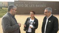 Joan Margall, Montse Bassa i Jordi Martí, davant la presó de Figueres