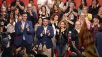 Sánchez , l'alcalde Álex Pastor i  la candidata Batet, dijous, a Badalona.