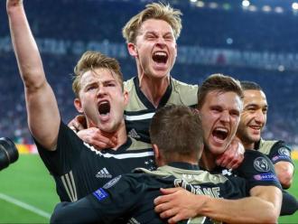Els futbolistes de l'Ajax, exultants en un estadi inexpugnable com el Juventus Stadium