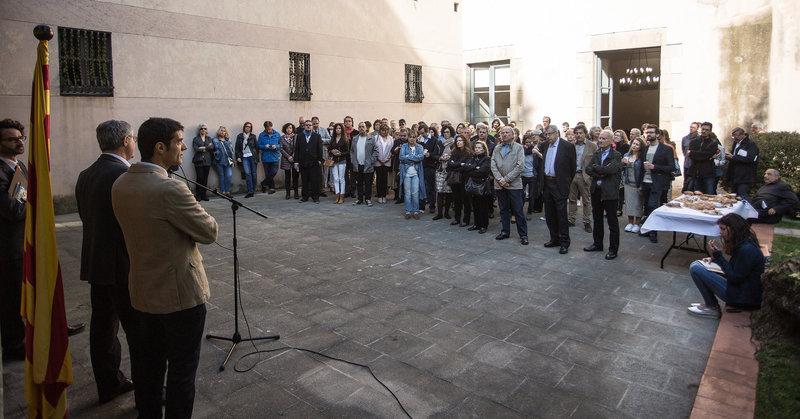 Imatge de l'esmorzar literari que va tenir lloc el 2017 al pati dels serveis territorials de Cultura a Girona.