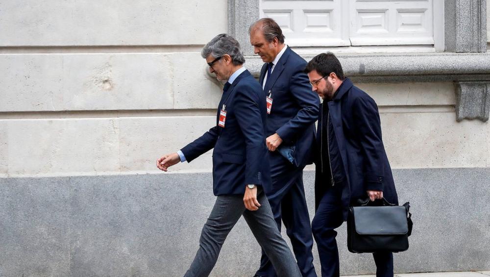 El vicepresident Aragonès a l'entrada al Suprem