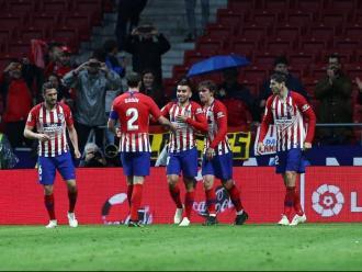 Els jugadors de l'Atlético celebren el gol de Correa