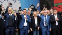 Geert Wilders, Matteo Salvini, Marine Le Pen , Veselin Mareshki, Jaak Madison –el primer per la dreta a la segona fila – i Tomio Okamura, ahir a Milà