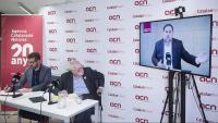 Oriol Junqueras, ahir durant la seva roda de premsa a l'ACN, en presència d'Ernest Maragall i el director de l'agència, Marc Colomer