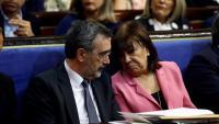 Manuel Cruz amb la presidenta del PSOE Cristina Narbona