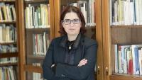 Àngels Gregori al despatx del PEN Català, del qual és presidenta des del juny del 2018