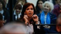 L'expresidenta argentina Cristina Fernández , asseguda al banc dels acusats