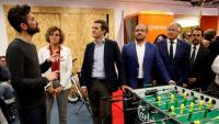 El president del PP, Pablo Casado, i la resta de dirigents visitant ahir el 'hub' tecnològic Pier01 Tech City de Barcelona