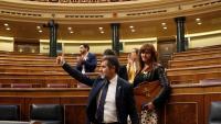 El diputat de JxCat Jordi Sànchez s'acomiada dels seus dimarts al final del ple al Congrés abans de ser retornat a la presó de Soto del Real