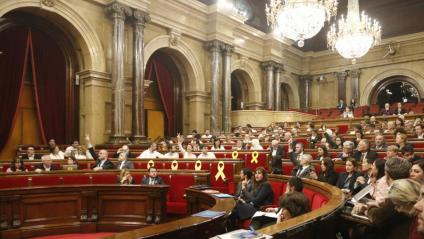 Els portaveus dels diferents grups parlamentaris indiquen als seus diputats el que han de votar. Els independentistes han recuperat la majoria al Parlament