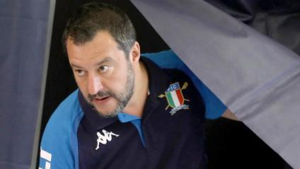 Matteo Salvini, viceprimer ministre italià i líder de la Lliga, després d'haver dipositat el seu vot en les eleccions europees, ahir a Milà