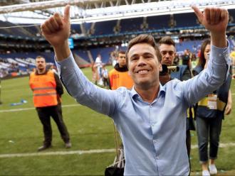 Dues imatges. La primera, el 11 de març del 2008, en laroda de premsa de comiat de Rubi i el seu equip com a tècnic de l'Espanyol b. L'altre, el tècnic en l'últim partit d'aquesta temporada.