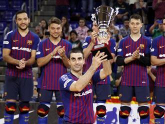 Gual aixeca la copa de campions de Lliga
