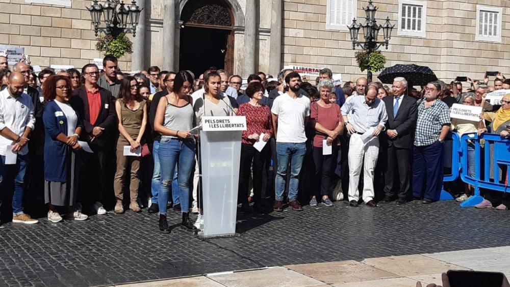 Lectura del manifest a la plaça de Sant Jaume