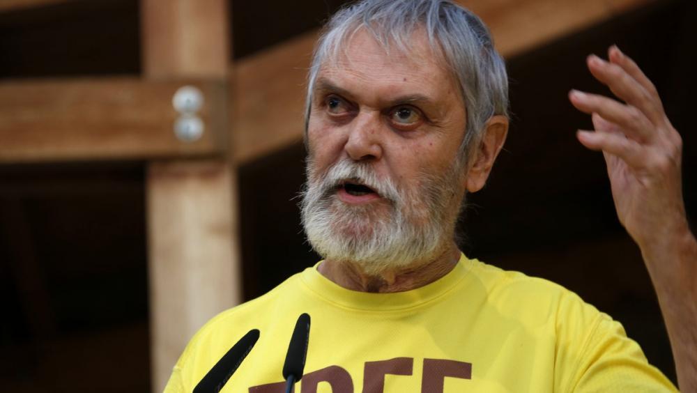 El pare del president d'ERC, Artur Junqueras, durant un acte del partit a Fonollosa