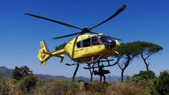 Un helicòpter dels bombers ha traslladat el cos de l'esquiador mort fins a les instal·lacions del cos a Berga