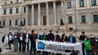 Membres de col·lectius socials i partits polítics, ahir a Madrid