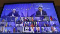Charles Michel i David Sassoli, caps del Consell Europeu i el Parlament Europeu, amb la resta de líders en la cimera comunitària telemàtica d'ahir