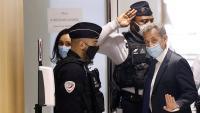 L'expresident francès entrant ahir al tribunal per escoltar el veredicte