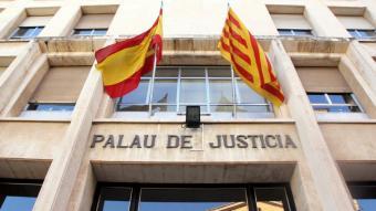 Façana d'entrada a l'Audiència de Tarragona