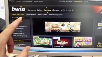 L'addicció al joc d'apostes afecta les dones més tard però s'agreuja més ràpidament