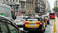 Trànsit molt dens a la Via Laietana, un dels carrers amb un nivell de contaminació acústica més elevat