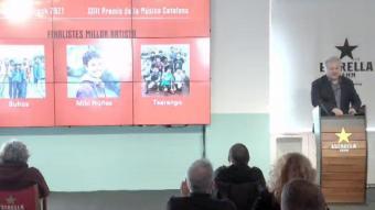 El director del grup editorial Enderrock, Lluís Gendrau, anunciant els finalistes dels Premis Enderrock en la categoria de Millor artista