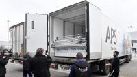 Un carregament de la vacuna russa Sputnik V, a punt de ser descarregat, ahir, d'un camió en un magatzem d'Hongria
