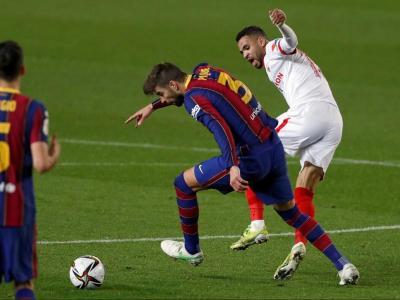 Piqué, en el partit contra el Sevilla de la copa