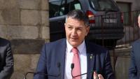 El conseller d'Interior, Miquel Sàmper, en la seva visita a Puigcerdà