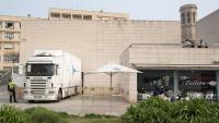 El camió que va sortir ahir del Museu de Lleida amb les obres reclamades per Aragó
